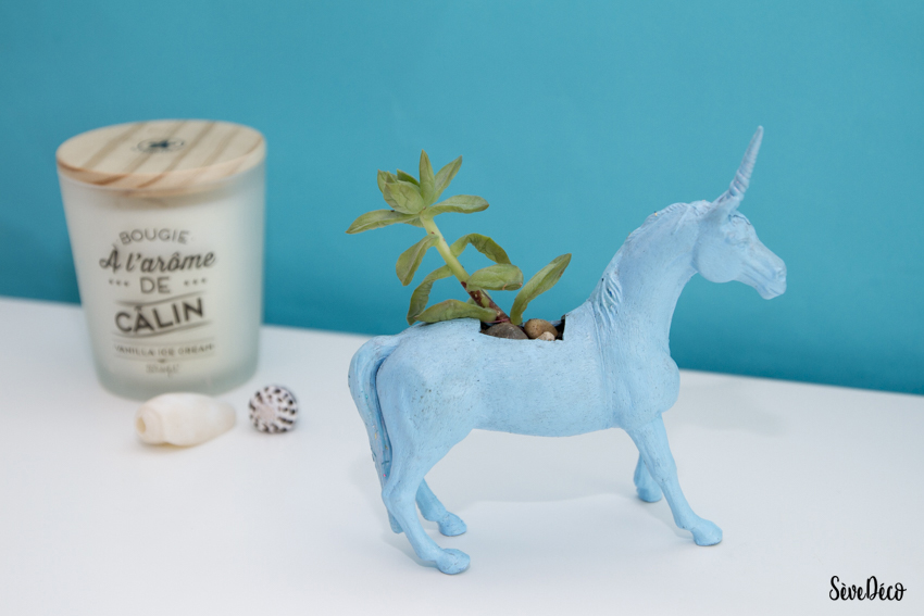 Un cactus dans une licorne s ve d co for Decoration maison licorne